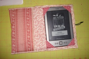 The kindle cover was a very quick project since I used pre-quilted fabric and just serged the edges